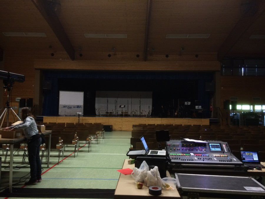 Das erste Konzert in Oberharmersbach: Trotz Glasfront ein fetter Sound! Hier fand auch die Generalprobe statt.